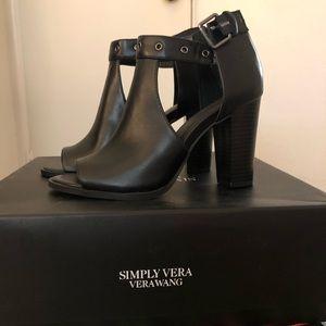 Vera Wang Black Prep Toe